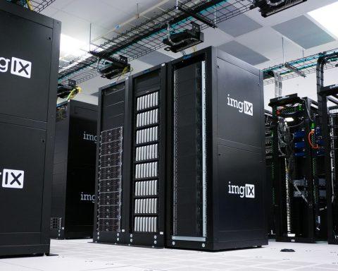 Data-Server-480x384